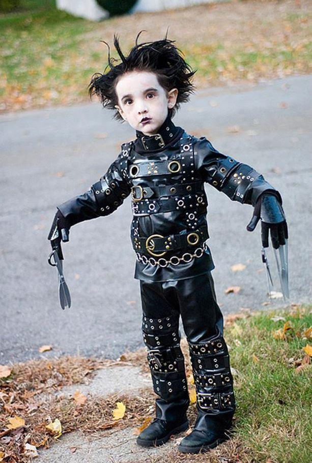 Der kleine Edward mit den Scherenhaenden
